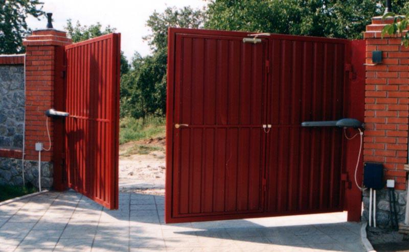 Привод металлических ворот